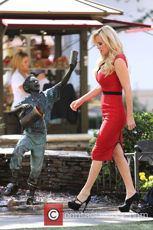 Jenny McCarthy, Extra and The Grove 21