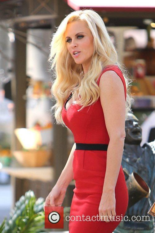 Jenny Mccarthy, Extra and The Grove 1
