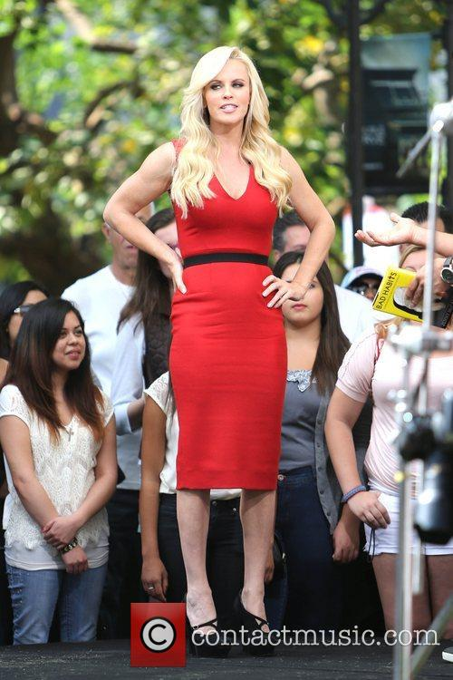 Jenny McCarthy, Extra and The Grove 30