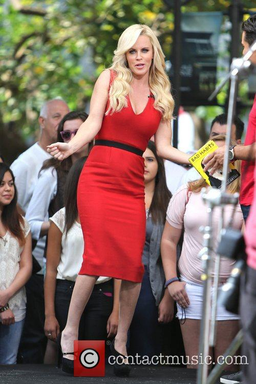 Jenny McCarthy, Extra and The Grove 24