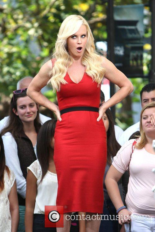 Jenny McCarthy, Extra and The Grove 13