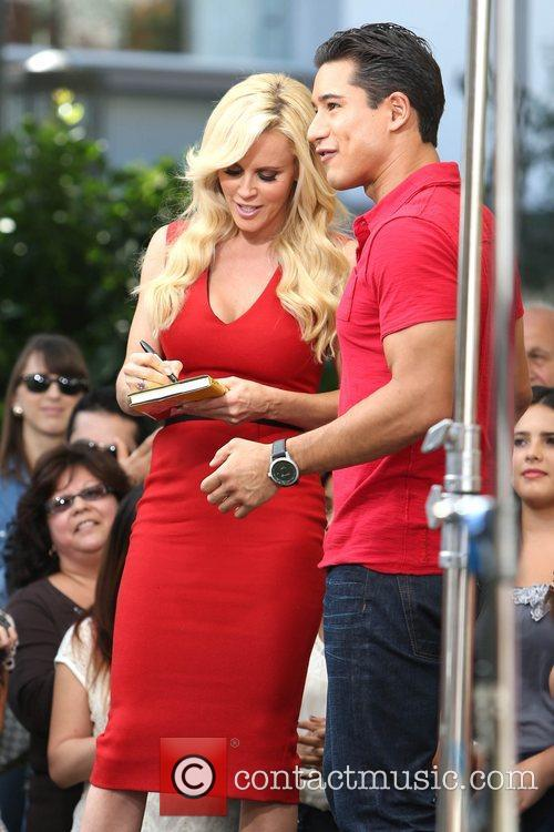 Jenny McCarthy, Extra and The Grove 31