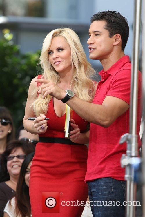 Jenny McCarthy, Extra and The Grove 20