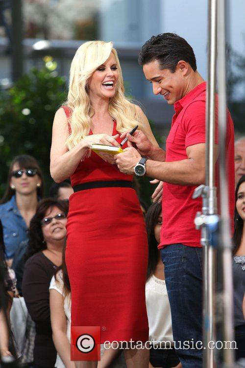 Jenny Mccarthy, Extra and The Grove 8