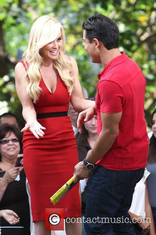 Jenny McCarthy, Extra and The Grove 17
