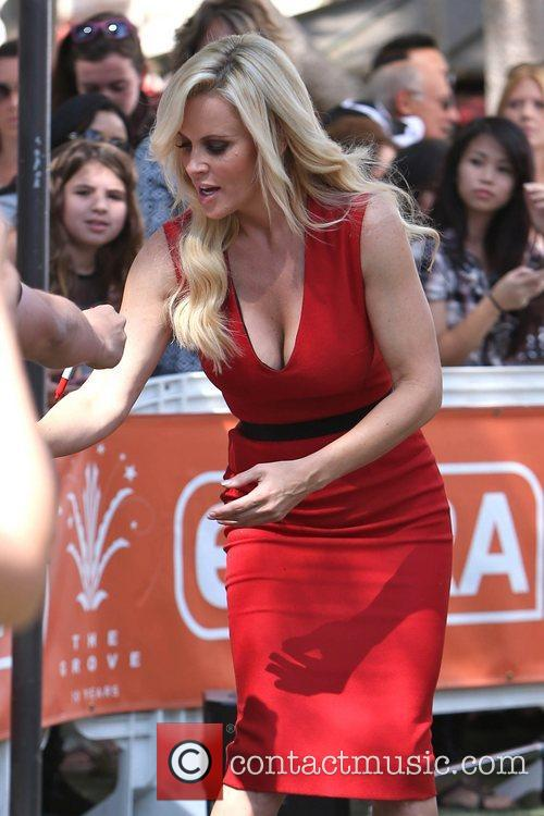 Jenny McCarthy, Extra and The Grove 28