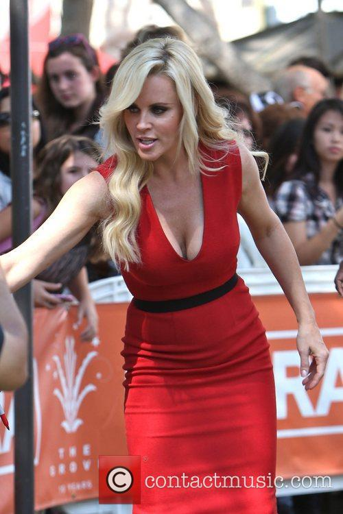 Jenny Mccarthy, Extra and The Grove 10
