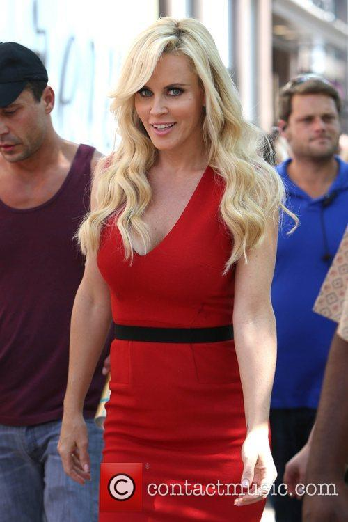 Jenny Mccarthy, Extra and The Grove 9