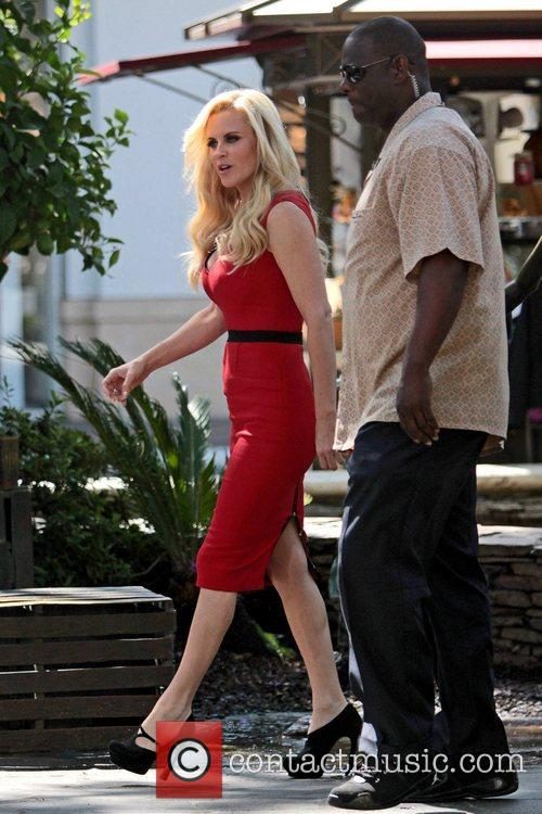 Jenny McCarthy, Extra and The Grove 35