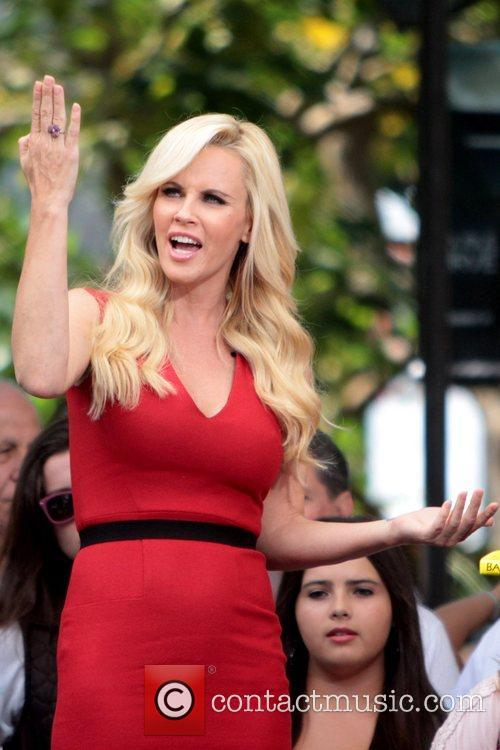 Jenny McCarthy, Extra and The Grove 38