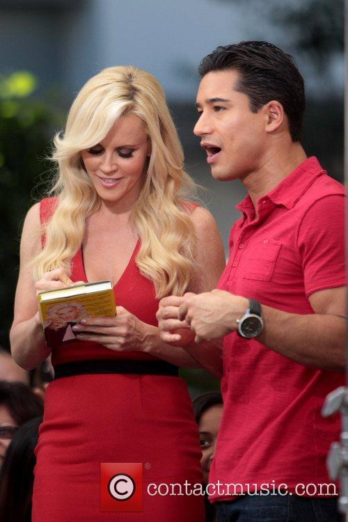 Jenny McCarthy, Extra and The Grove 33