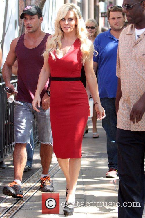 Jenny McCarthy, Extra and The Grove 36