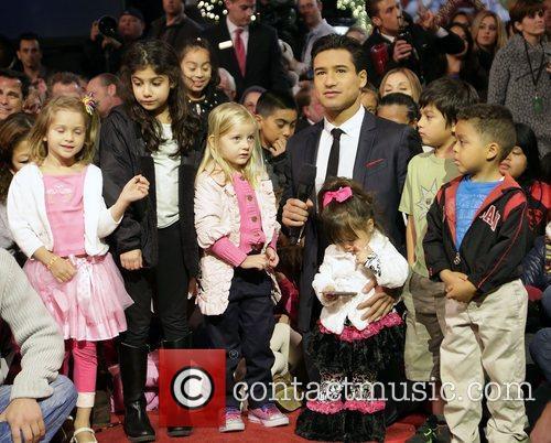 mario lopez 10th annual hollywood christmas celebration 4170852