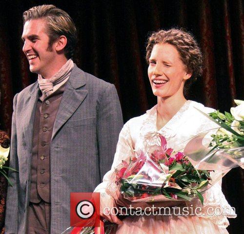 Dan Stevens and Jessica Chastain 3