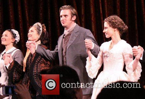 Virginia Kull, Caitlin O, Connell, Dan Stevens and Jessica Chastain 3