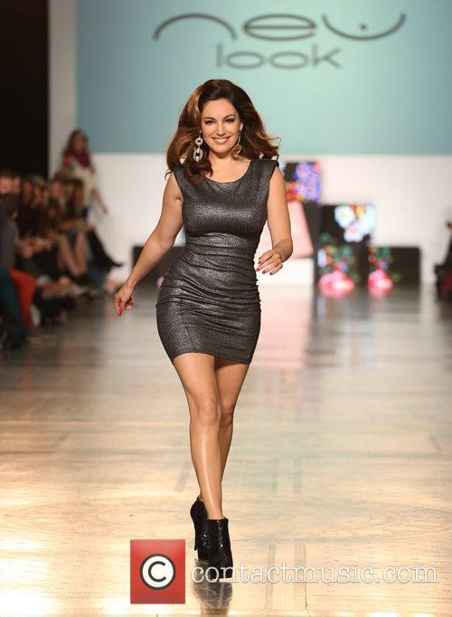 brkelly brook the look fashion show in 5927864