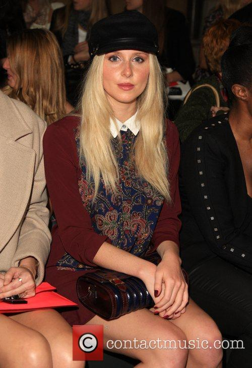 diana vickers the look fashion show in 5928730