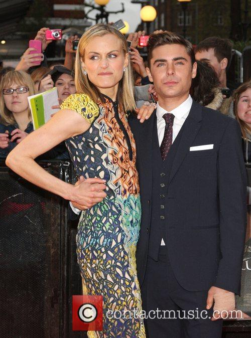 Zac Efron and Taylor Schilling 7