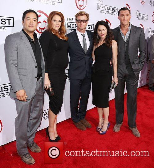 Tim Kang, Amanda Righetti, Simon Baker, Robin Tunney and Owain Yeoman 3