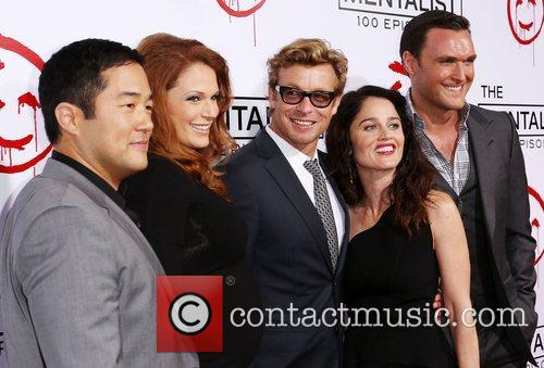 Tim Kang, Amanda Righetti, Simon Baker, Robin Tunney and Owain Yeoman 5