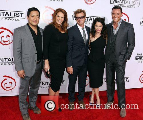 Tim Kang, Amanda Righetti, Simon Baker, Robin Tunney and Owain Yeoman