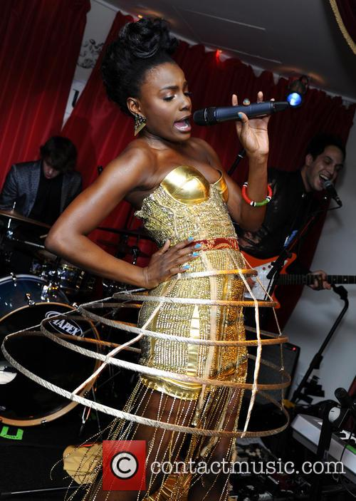 The Noisettes, Baroque and Contact 2