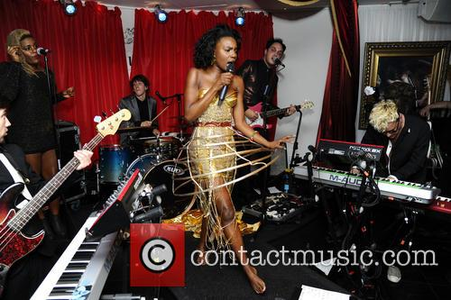 The Noisettes, Baroque and Contact 11