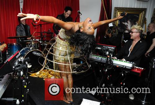 The Noisettes, Baroque and Contact 4