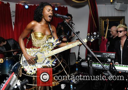 The Noisettes, Baroque and Contact 9