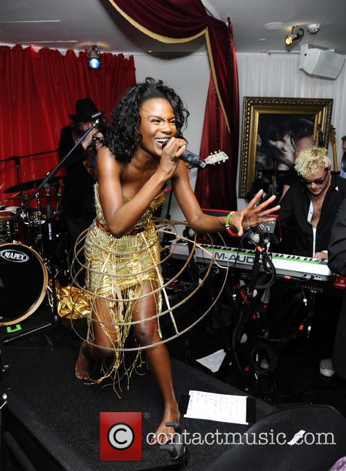 The Noisettes, Baroque and Contact 14