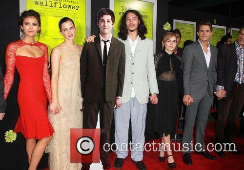 Nina Dobrev, Emma Watson, Ezra Miller, Johnny Simmons and Mae Whitman 2