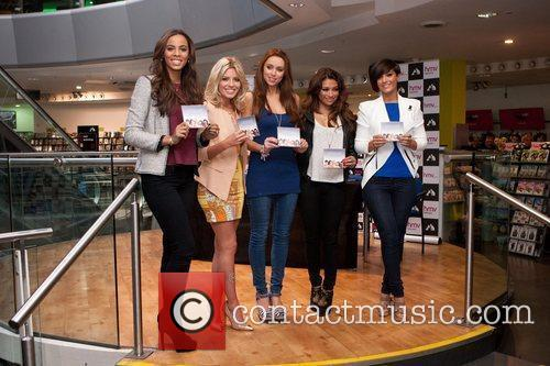 Rochelle Wiseman, Frankie Sandford, Mollie King, The Saturdays, Una Healy and Vanessa White 2