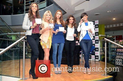 Rochelle Wiseman, Frankie Sandford, Mollie King, The Saturdays, Una Healy and Vanessa White 5