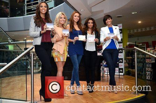 Rochelle Wiseman, Frankie Sandford, Mollie King, The Saturdays, Una Healy and Vanessa White 7