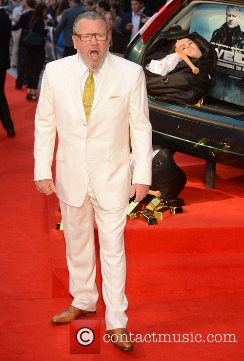 ray winstone at the premiere of the 4056865