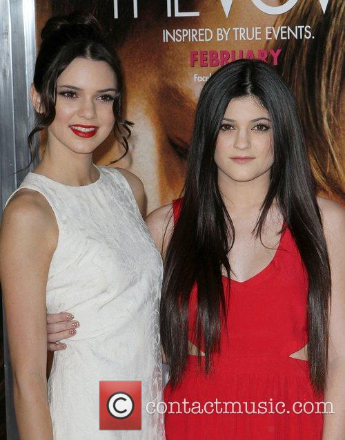 Kendall Jenner, Kylie Jenner and Grauman's Chinese Theatre 5