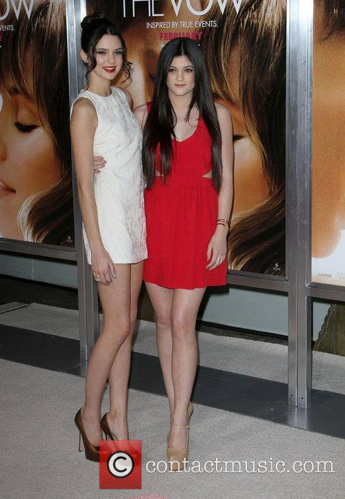 Kendall Jenner, Kylie Jenner and Grauman's Chinese Theatre 6