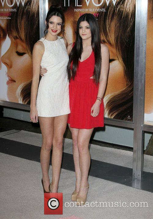 Kendall Jenner, Kylie Jenner and Grauman's Chinese Theatre 7
