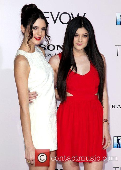 Kendall Jenner, Kylie Jenner and Grauman's Chinese Theatre 3