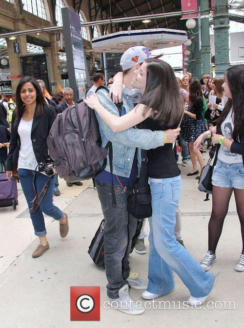Nathan Sykes  The Wanted are greeted by...