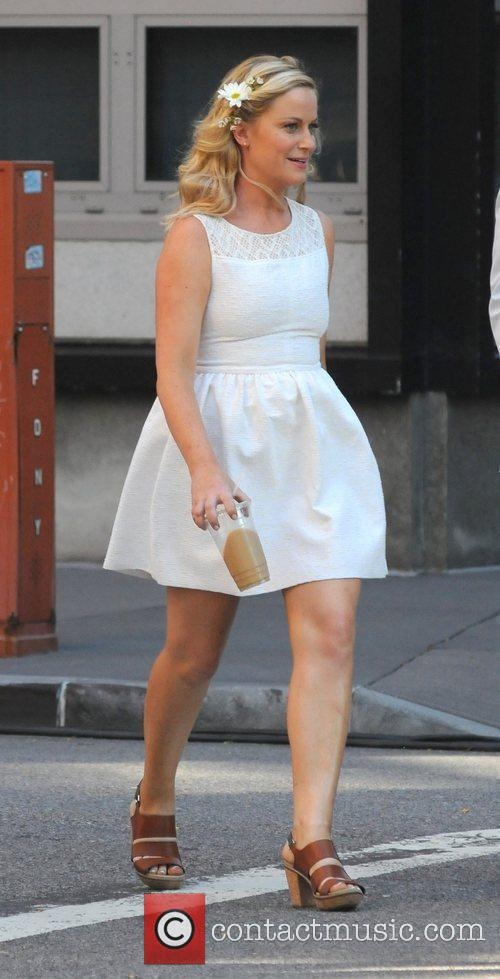 Amy Poehler  filming the new movie 'They...