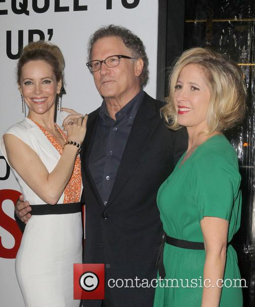 Leslie Mann, Albert Brooks and Grauman's Chinese Theatre 9