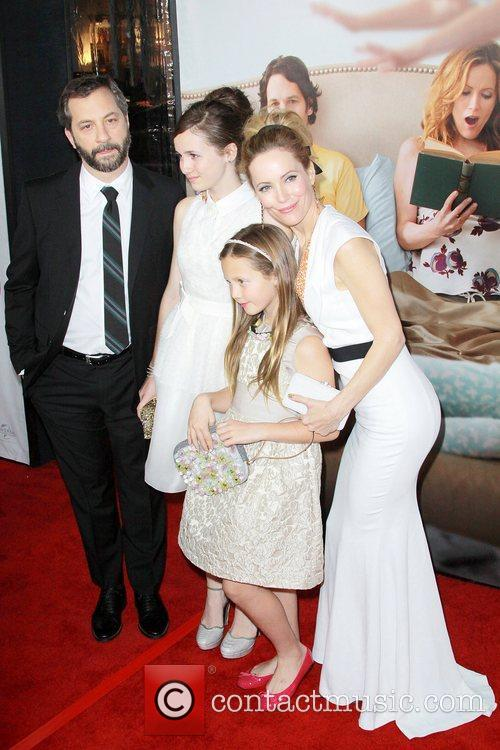 Judd Apatow, Maude Apatow, Iris Apatow, Leslie Mann and Grauman's Chinese Theatre 6