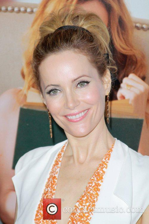 Leslie Mann and Grauman's Chinese Theatre 2