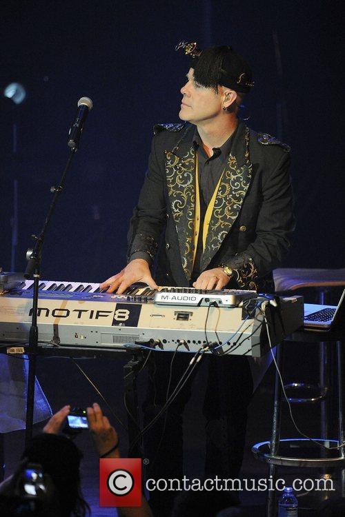 Thomas Dolby 13