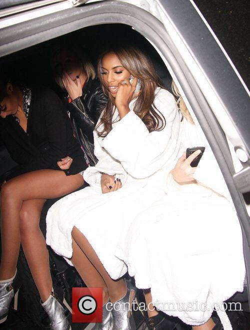Rochelle Wiseman and The Saturdays 3