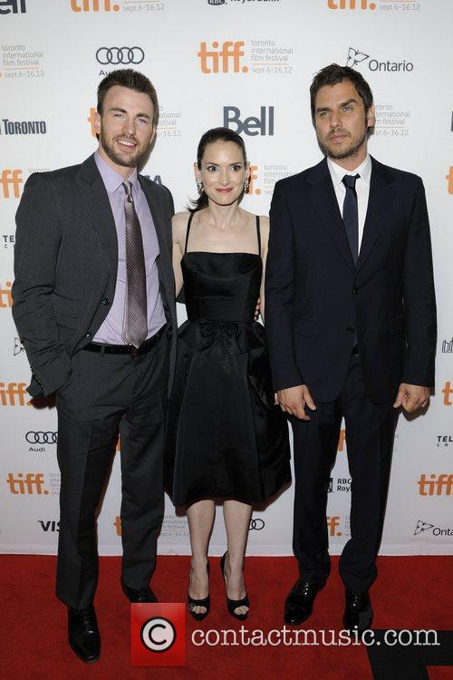 chris evans winona ryder and ariel vromen 4071814
