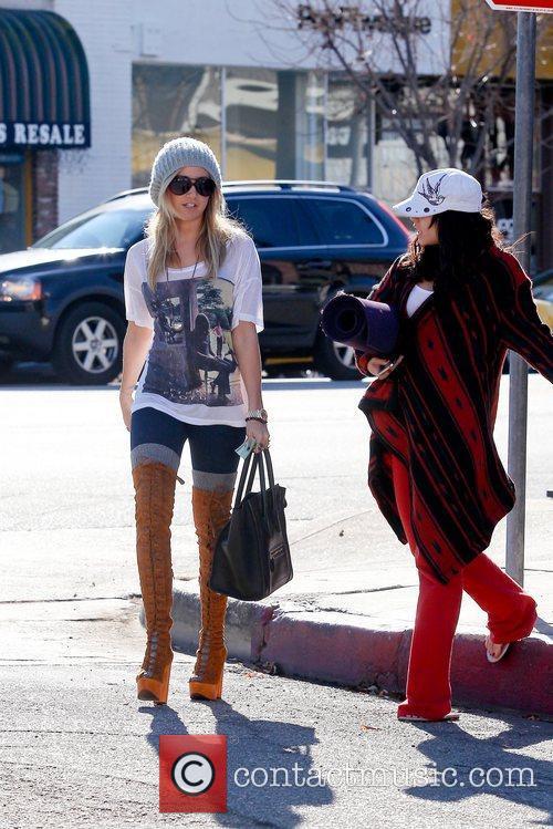 Ashley Tisdale and Vanessa Hudgens 12