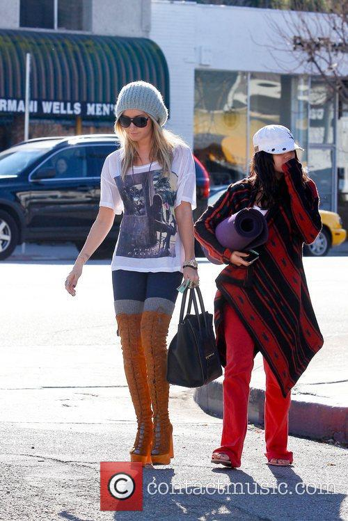Ashley Tisdale and Vanessa Hudgens 10