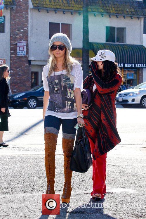 Ashley Tisdale and Vanessa Hudgens 1